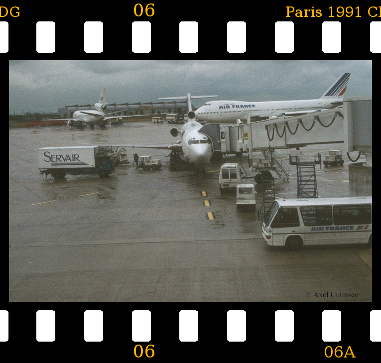 Paris 1991 aeroport CDG slide