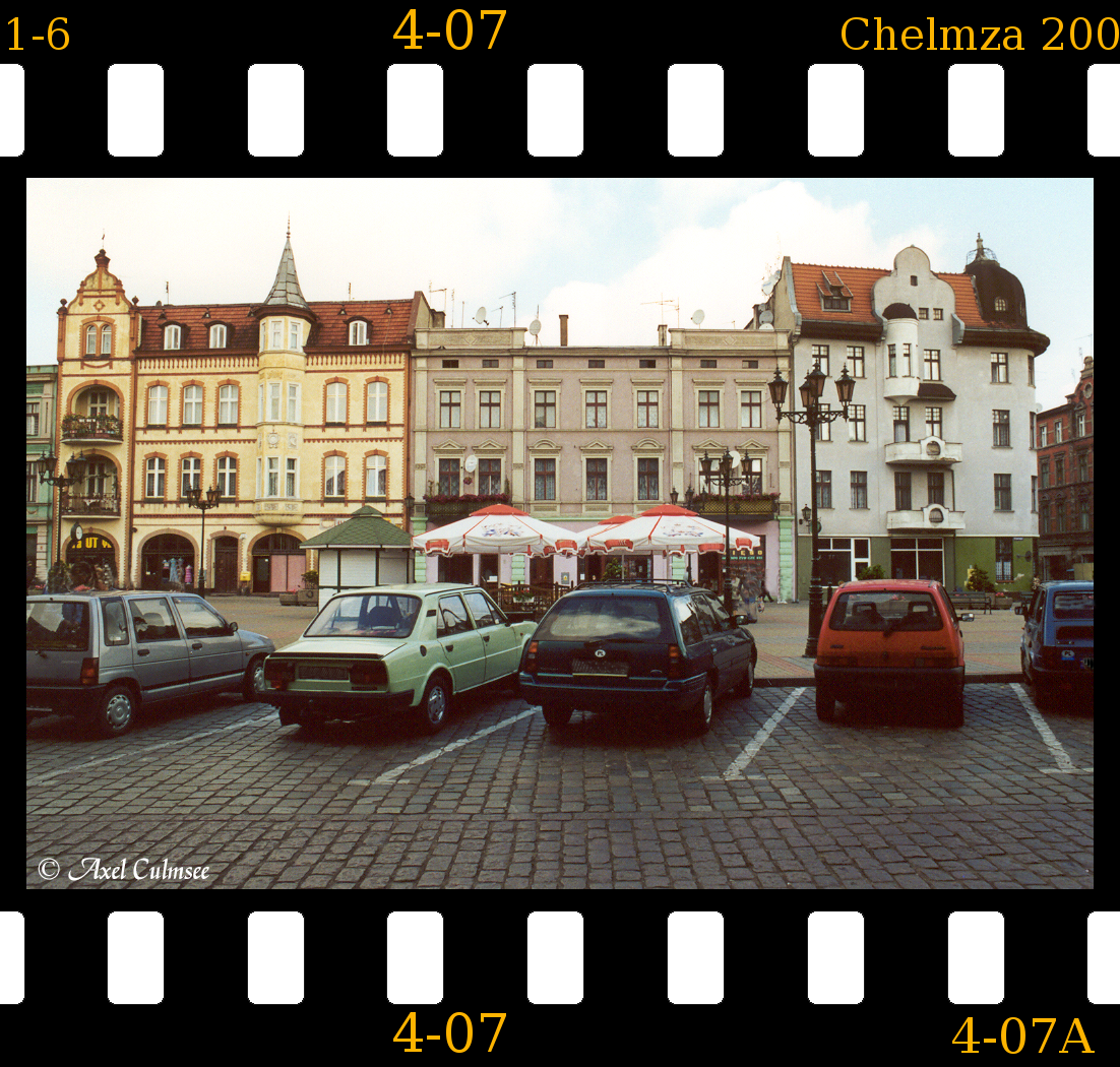 4-07 Chelmza June 2001 market place