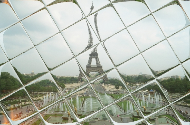 Eiffelturm Kachelspiegelung