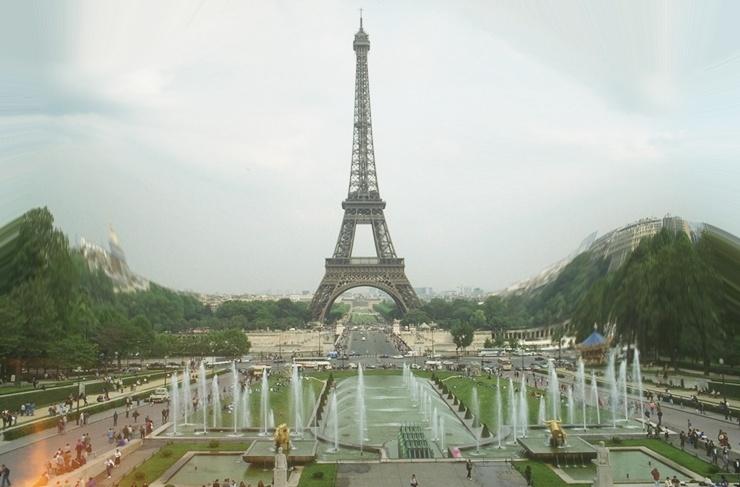 Eiffelturm gewoelbt 3